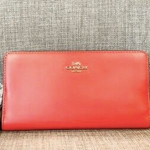 NWT Coach 58586 GDCNT Bright Cherry Smith Wallet